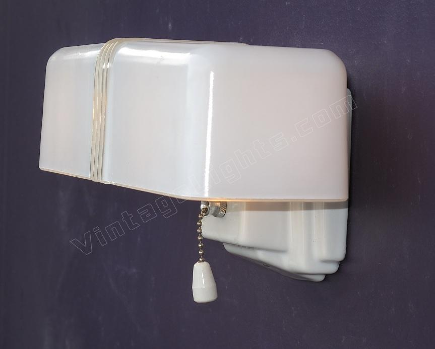 Vintage bathroom light fixtures shemale pictures for Old bathroom light fixtures