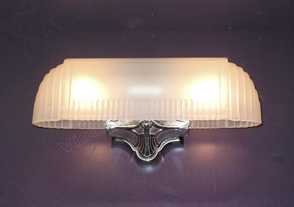 Vintage Bathroom Wall Sconce Lighting Fixture. Original Chrome Mirror  Finish. 2 Bulb