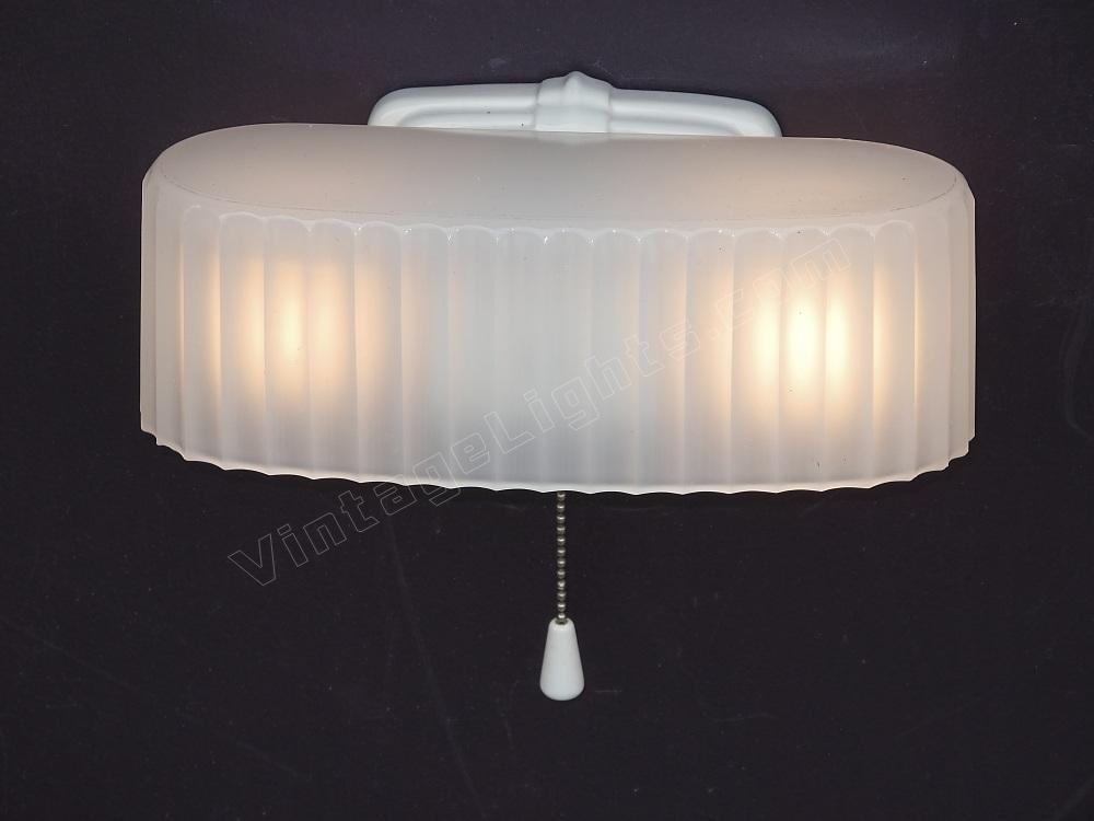 Vintage white porcelain antique bathroom light fixture for Old bathroom light fixtures