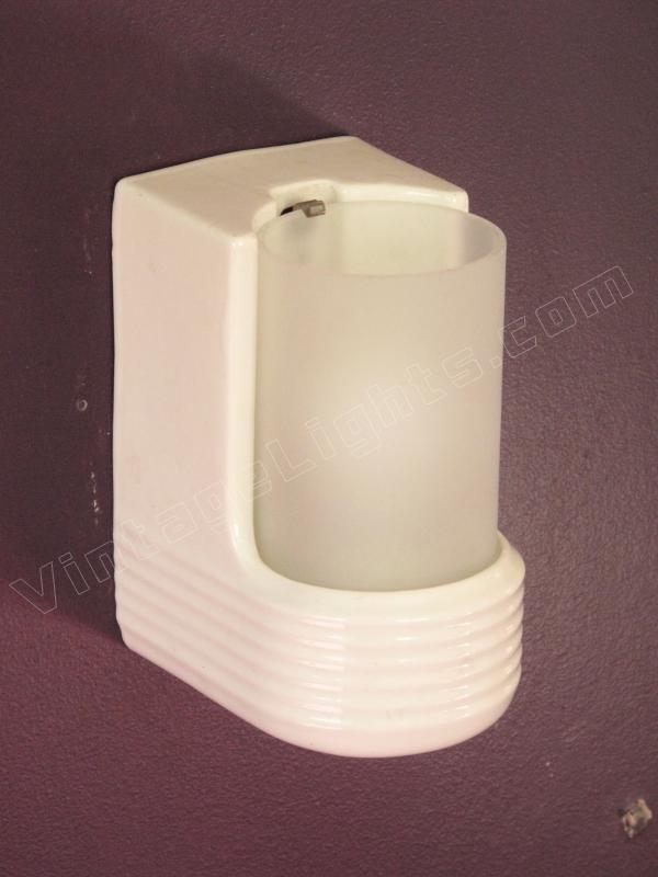 White Porcelain Vintage Bathroom Lighting Fixture