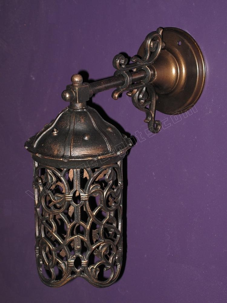Antique porch light vintage porch light antique for Vintage exterior light fixtures