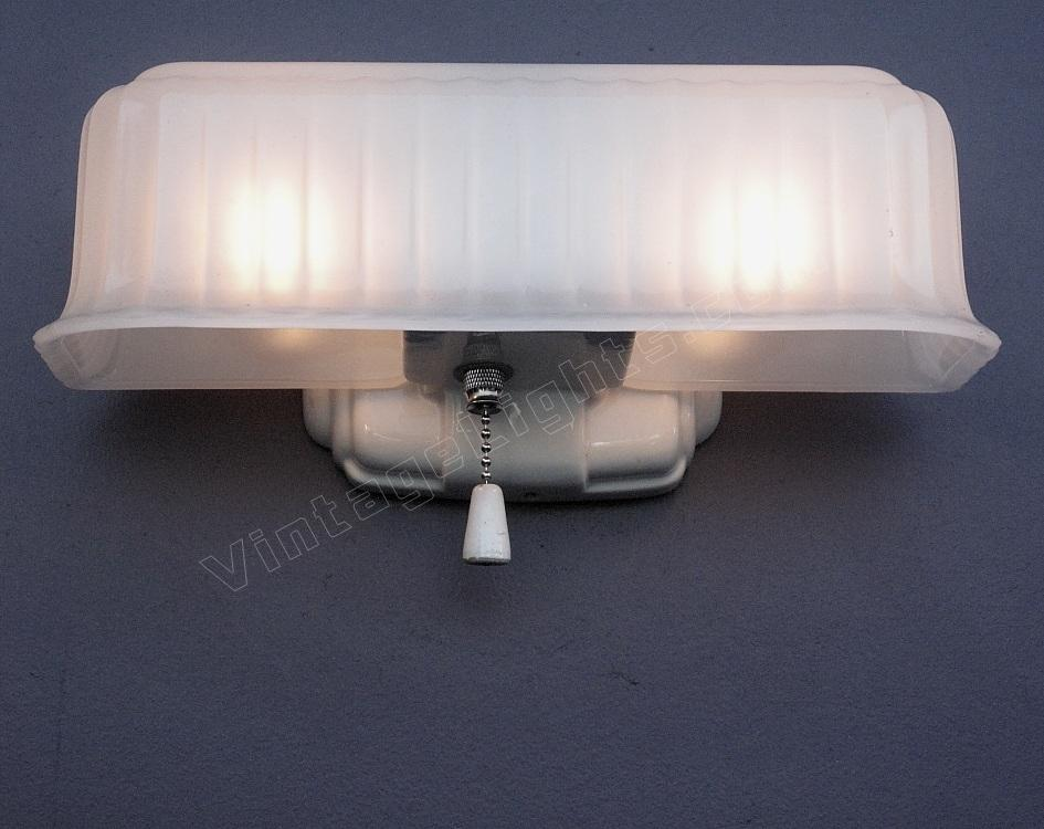 White Porcelain Bath Fixture Kitchen Bathroom Lighting